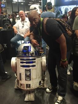 R2D2 is little!