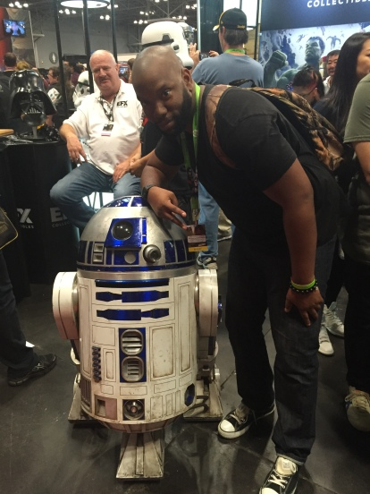 R2D2 is little!