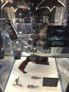 BvS Bat weapons