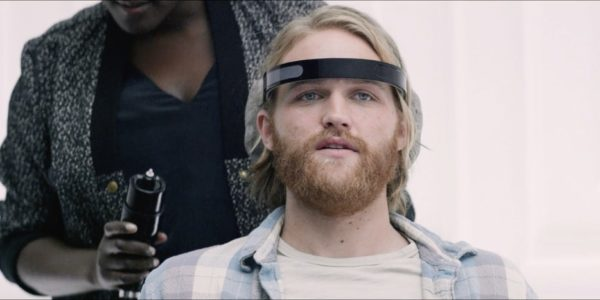 wyatt-russell-in-the-black-mirror-season-3-episode-playtest_png-600x300