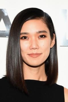 Tao+Okamoto+Shoulder+Length+Hairstyles+Asymmetrical+92ToAJbwZ_Ll