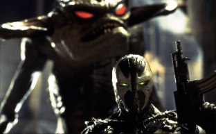 michael-jai-white-in-spawn-1997-movie-image